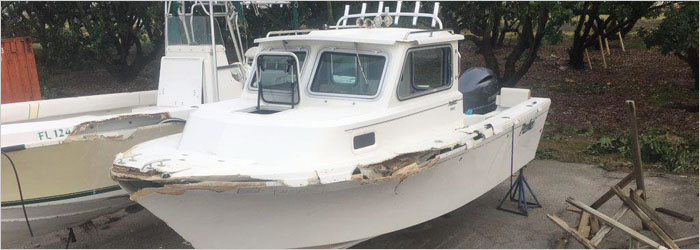 29' World Cat 2009 - Insurance Salvage - Damaged Boat